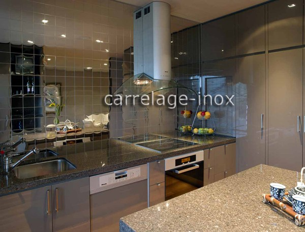 Carrelage cuisine inox credence mosaique inox cm miroir 98 for Credence en miroir pour cuisine