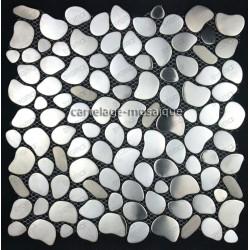 Plaque de carrelage galets en inox pour mur ou sol